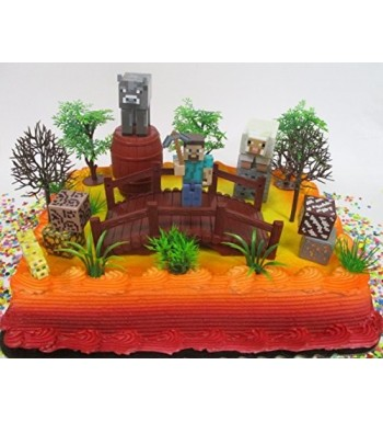 MINECRAFT Cake Featuring Decorative Accessories